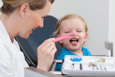 детский стоматолог, детский стоматолог Чебоксары, лечение зубов детям